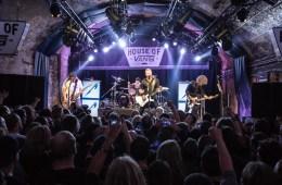 Mira a Metallica celebrar el lanzamiento de 'Hardwired… to Self-Destruct', en el House of Vans de Londres. Cusica Plus