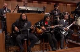 The Roots tocó el tema de Mario Bros con su creador Shigeru Miyamoto en The Tonight Show. Cusica Plus