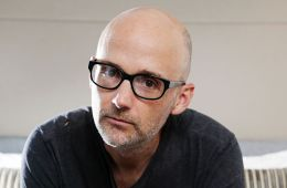"Moby dedica tema a los animales con ""A Simple Love"". Cusica plus"