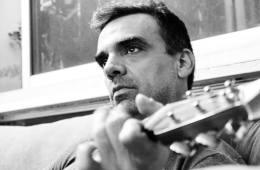Asier Cazalis asegura que Venezuela se ha hecho difícil para la música. Cusica plus