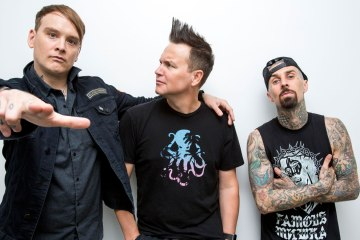 "Blink 182 estrenan sencillo llamado ""Parking Lot"". Cusica plus"