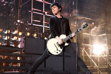 "Green Day versiona ""Johnny B Goode"" de Chuck Berry. Cusica plus"