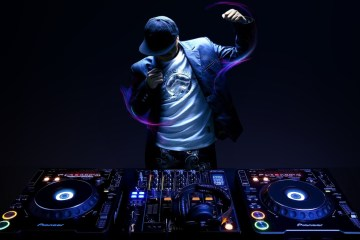 dj-set-wallpaper-cusica-plus