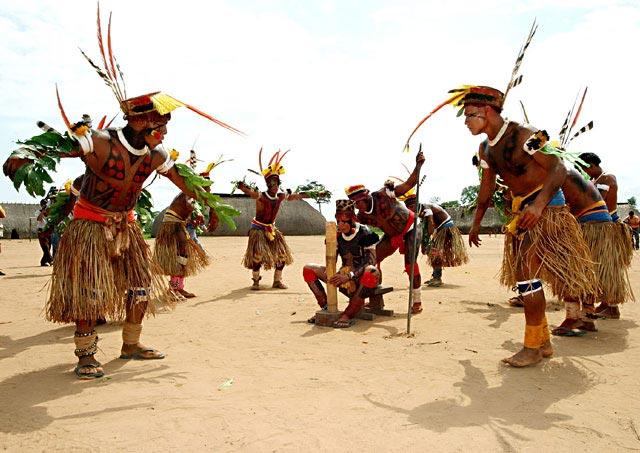 indigenas-bailando-cusica-plus