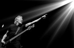Roger-Waters-Cusica-Plus