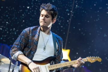 "John Mayer le rinde tributo a Glen Campbell con ""Gentle On My Mind"". Cusica Plus."