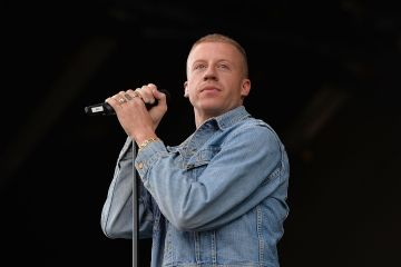 "Macklemore nos presenta a Mini-Macklemore en el video de ""Marmalade"". Cusica Plus."