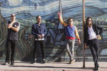 Así suena la Fender mexicana de Weezer. Cusica Plus.