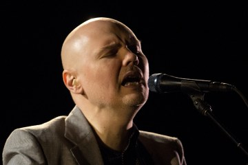 "Billy Corgan revive ""Sweet Sweet"" de Smashing Pumpkins en su piano. Cusica Plus."