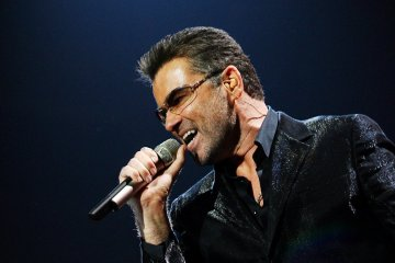 "George Michael vuelve a la vida con el video de ""Fantasy"". cusica plus."