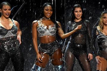 Fifth Harmony y Pitbull esperan amabilidad en su nuevo sencillo. Cusica Plus.