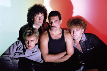 "Queen lanza versiones inéditas de ""We Will Rock You"" y ""We Are The Champions"". Cusica plus."