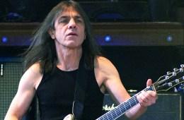 Falleció Malcolm Young guitarrista rítmico de AC/DC. Cusica Plus.