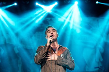 Morrissey descarga su ira con su nuevo disco 'Low In High School' . cusica Plus.