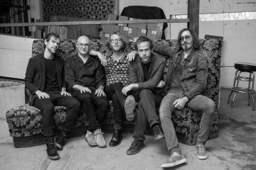 "The National se pone romántico con ""Dark Side Of The Gym"". Cusica Plus."
