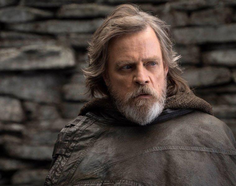 Preparate para la StarWars Mania oyendo el soundtrack de 'The Last Jedi'. Cusica plus.