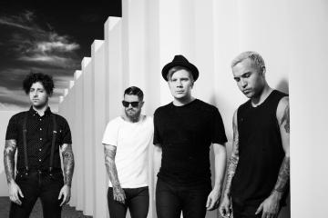 Ya podemos escuchar 'Mania' de Fall Out Boy. Cusica Plus.