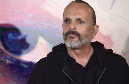 Miguel Bosé recibe el premio como artista ícono de Viña del Mar en medio de dudas sobre su voz. Cusica Plus.