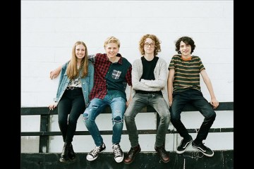 Escucha el nuevo tema de Calpurnia la banda de Finn Wolfhard de Stranger Things. Cusica Plus.