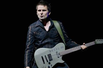 Matt Bellamy comparte un video de su grupo tributo a los Beatles junto a Miles Kane. Cusica Plus.