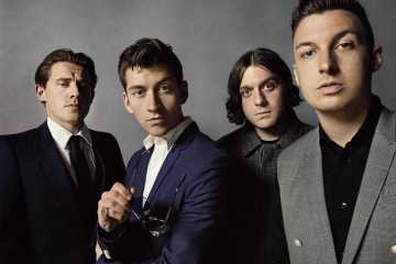 arctic-monkeys-Cusica-Plus