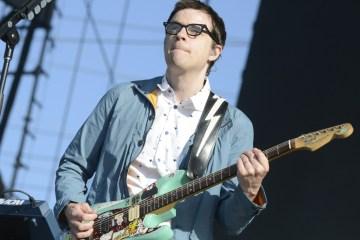 Rivers Cuomo de Weezer se estrena como solista. Cusica Plus.