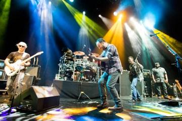Dave Matthews Band nos dejar ver su futuro en 'Come Tomorrow'. Cusica Plus.
