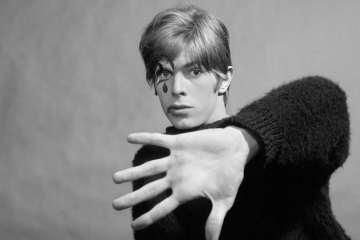 Escucha una nueva versión de uno de los clásicos de David Bowie. Cusica Plus.