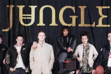 Jungle anuncia nuevo álbum y comparte dos nuevos temas. Cusica Plus.