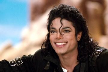 Hugo Boss venderá 100 trajes réplica de Michael Jackson para celebrar su cumpleaños. Cusica Plus.