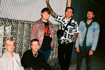 "Bring Me The Horizon adelanta más de su disco con el tema ""Mother Tongue"". Cusica Plus."