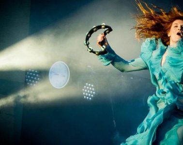 Florence and the Machine realizó tema para segundo capítulo de Game Of Thrones. Cusica Plus.