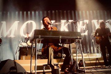 Arctic Monkeys estrena pequeño cortometraje sobre su concierto en México. Cusica Plus.