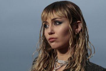 Lucia realizó un cover de 'Nothing Break Like a Heart' de Miley Cyrus y Mark Ronson. Cusica Plus.