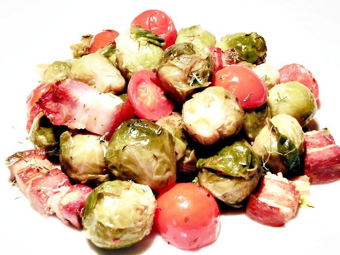 pofta-buna-gina-bradea-varza-de-bruxelles-cu-rosii-si-bacon (4)