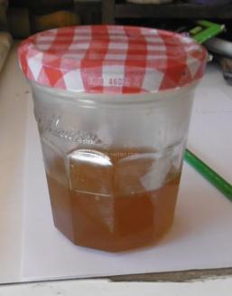 Le mélange fait encore chaud, liquide sans grumeaux