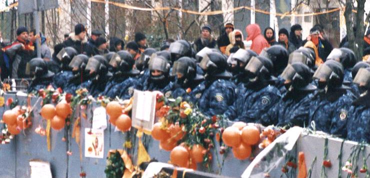 Protestos durante a Revolução Laranja em 2004. Imagem: Liliya / Creative Commons / Flickr