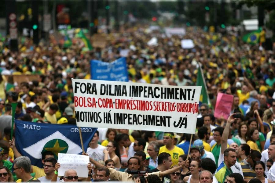 Protesto pelo impeachment de Dilma Rousseff. Foto: Paulo Pinto/ Fotos Públicas