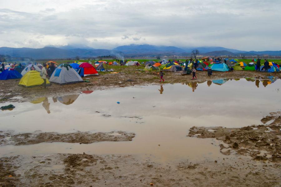 Campo de refugiados em Idomeni tem péssimas condições sanitárias. Foto: Gabriel Bonis