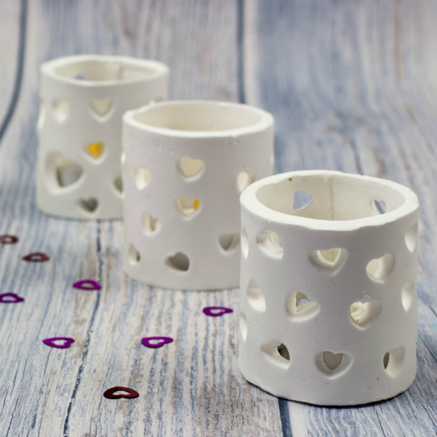 Tea-light-holders-made-with-microwave-drying-clay-