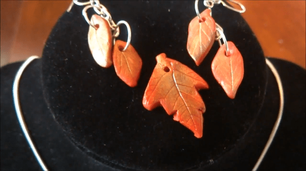 fall-leaves-necklace