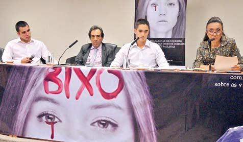 Alunos da FMUSP depõem à CPI. Foto: Daniel Garcia / Revista Adusp