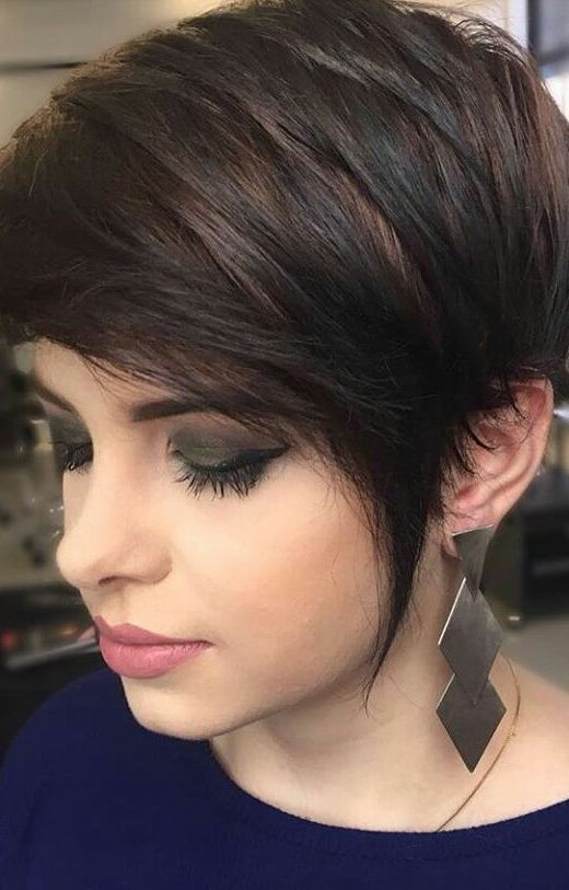 10 Trendy Short Hairstyles for Women Over 40 - crazyforus