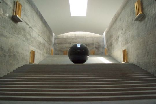 This entire space in the Chichu Art Museum was developed under the guidance of Walter De Maria. Image courtesy of Benesse Art Site Naoshima
