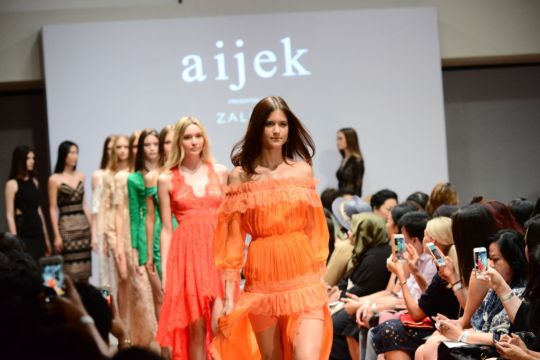 Aijek Spring/Summer 2017 collection during Singapore Fashion Week. Photo courtesy of the Singapore Fashion Week Press