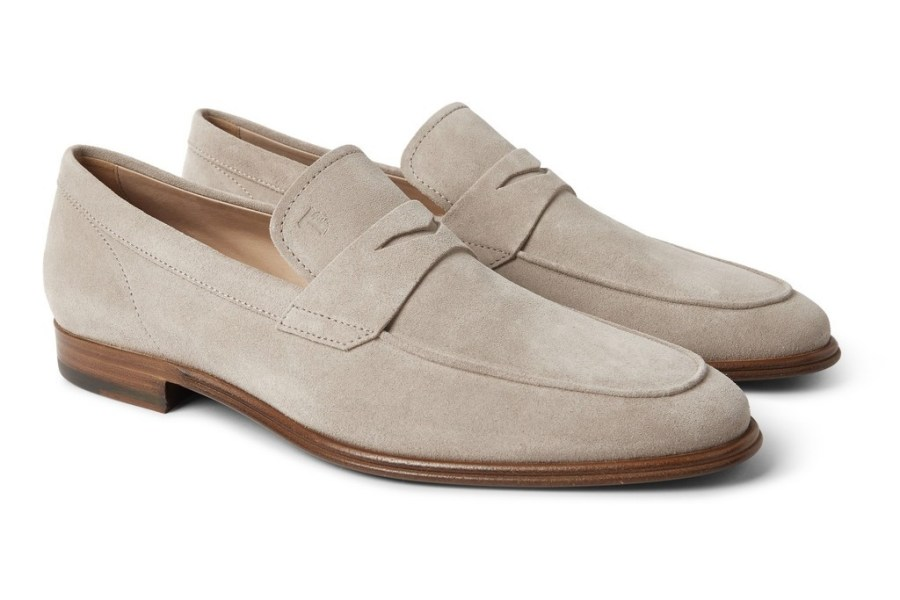 summer-essentials-tod's-suede-penny-loafers-1