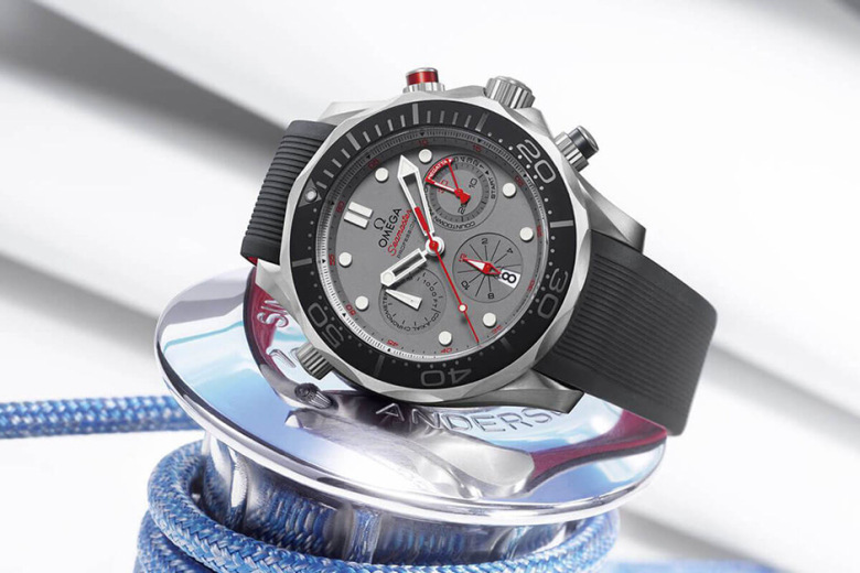 omega-launches-seamaster-diver-300m-etnz-for-the-35th-americas-cup-1