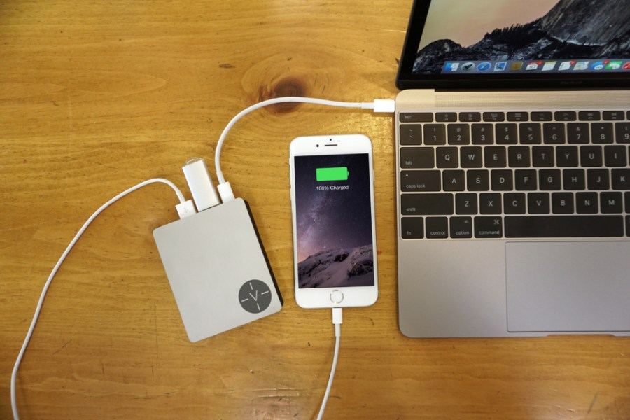 voltus-brings-power-bank-and-two-new-usb-ports-to-12-inch-macbook-1