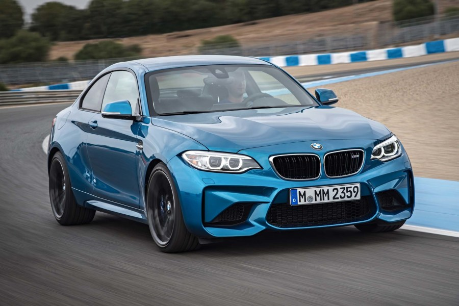 The-New-2016-BMW-M2-is-a-Sleeker-Stronger-M235i-01