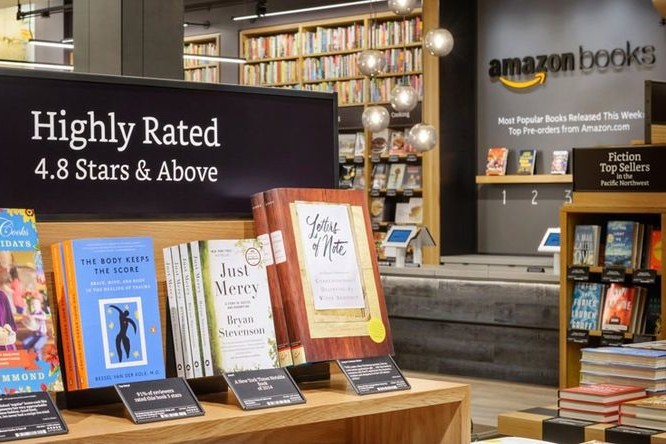 Amazon-Books-Physical-Bookstore-Now-Open-in-Seattle-03